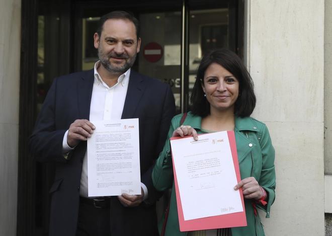 José Luis Ábalos y Adriana Lastra, a su llegada a Ferraz para...