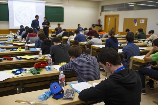 Alumnos de la ESO sometiéndose a un examen en la Comunidad de Madrid.