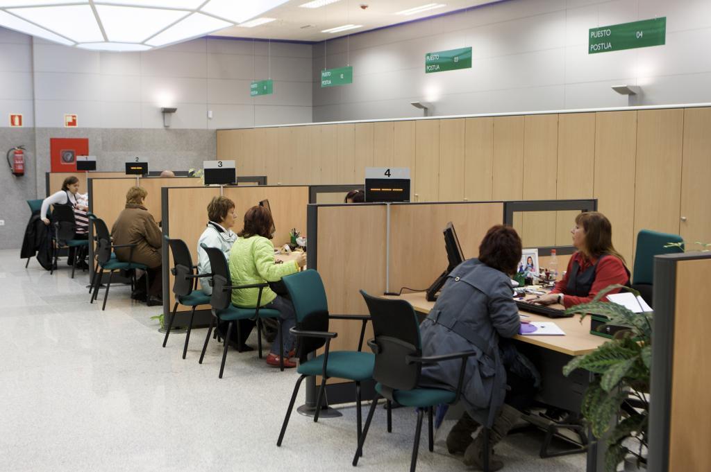Casi extranjeros cotizan a la seguridad social en for Oficina seguridad social