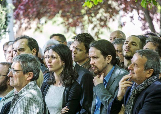 Pablo Iglesias, junto a Rita Maestre e Íñigo Errejón, este jueves,...