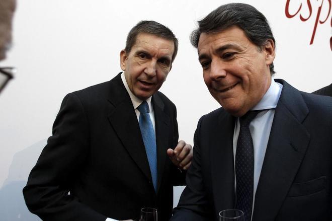 Manuel Moix e Ignacio González hablan en un acto por la Constitución...