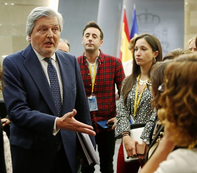 Méndez de Vigo, el viernes, tras la comparecencia para informar de...