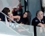 Andrade junto a Georgina y Dolores Aveiro disfrutando de un partido de...