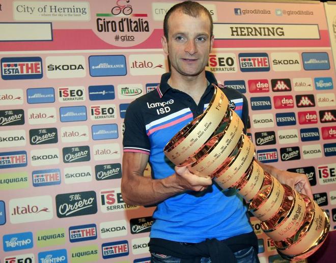 MUERE: Michele Scarponi, el ciclista de la eterna sonrisa. El gregario que se convirtió en líder.