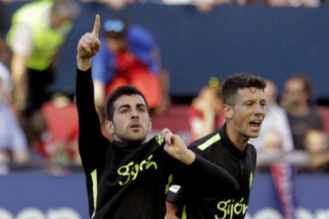 Carlos Castro celebra el segundo gol ante Osasuna, que supuso el empate.