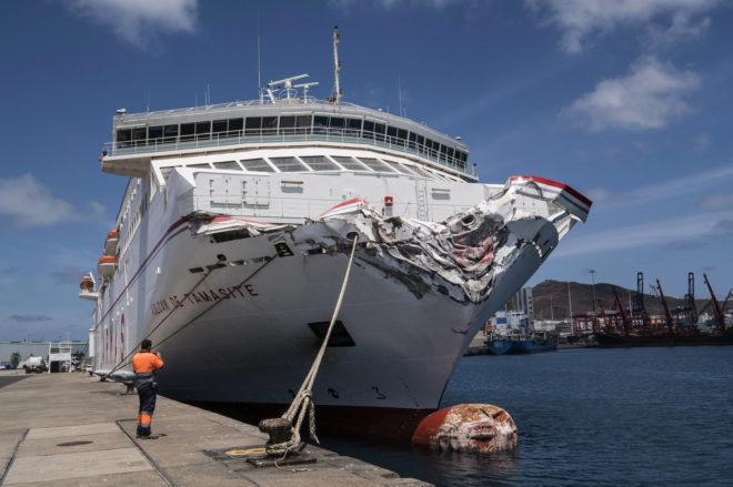 Resultado de imagen de El accidente ha obligado a Naviera Armas a reestructurar sus líneas a Tenerife y Fuerteventura