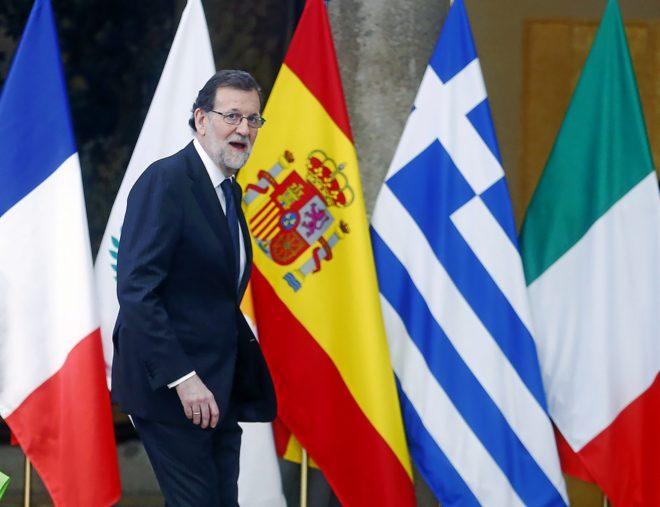Rajoy se refugia en la política exterior para recomponer su imagen