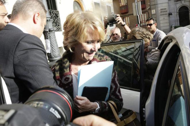 Esperanza Aguirre abandona el Ayuntamiento de Madrid tras el anuncio...