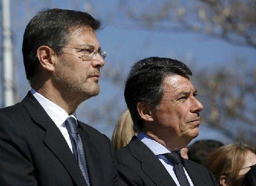 Rafael Catala e Ignacio Gonzalez en 2015, en un homenaje a las...
