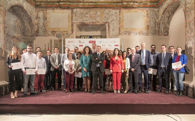 Foto de familia de la entrega de los premios del Plan de TCUE.
