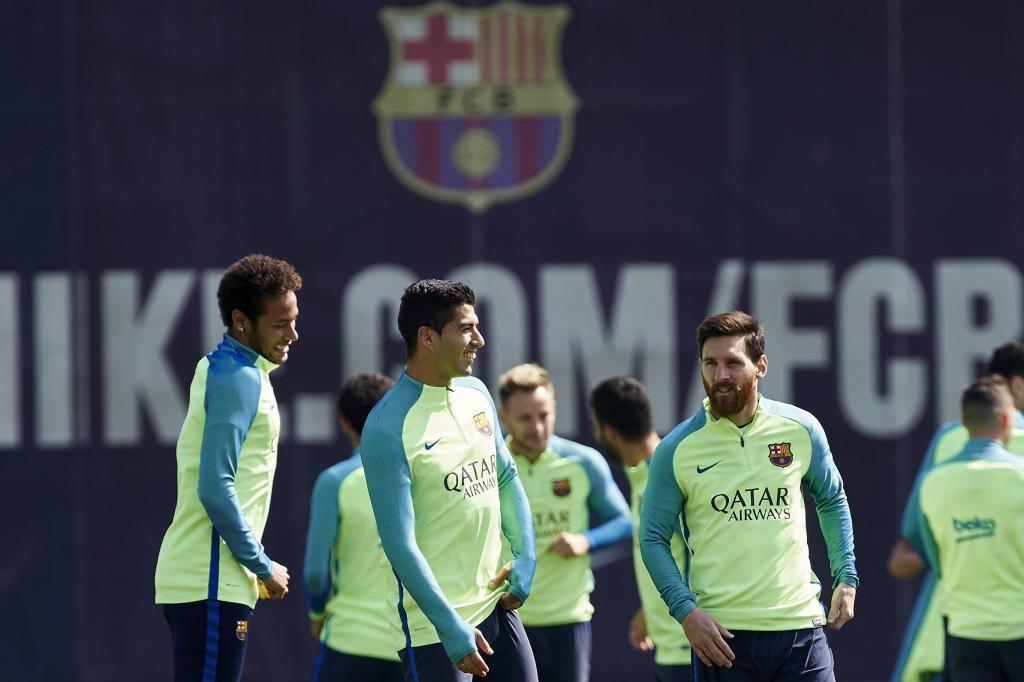 Messi, Luis Suárez y Neymar, que cumple su último partido de sanción, en el entrenamiento.