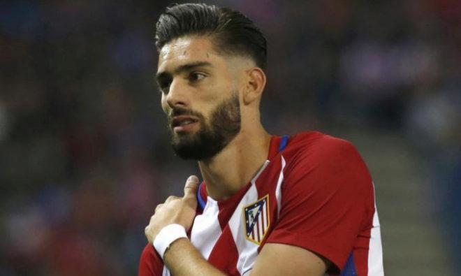 Yannick Carrasco, tras lesionarse en la clavícula ante el Villarreal.