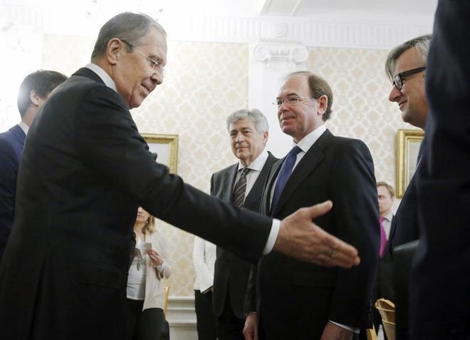 El ministro de Exteriores de Rusia, Sergei Lavrov, recibe a Pío...