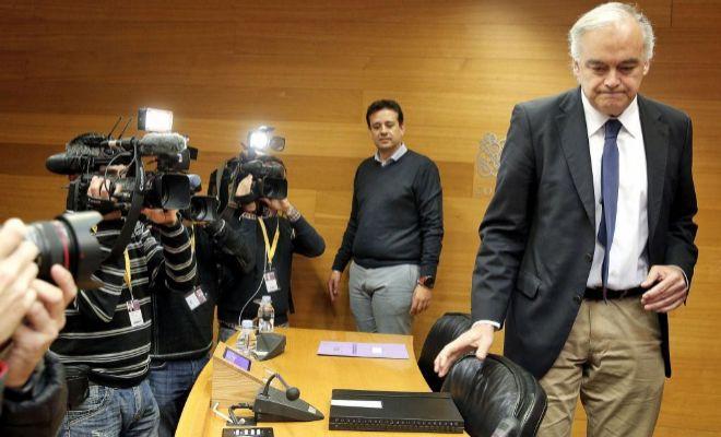 El exconseller de Educación, Esteban González Pons, comparece en la Comisión de investigación de las Cortes sobre las actividades de Ciegsa.