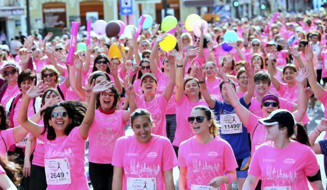 Participantes en la Carrera de la Mujer de Valencia.