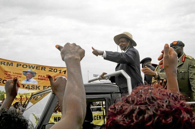 El presidente de Uganda, Yoweri Museveni, que ha manifestado en el pasado su control sobre la prensa