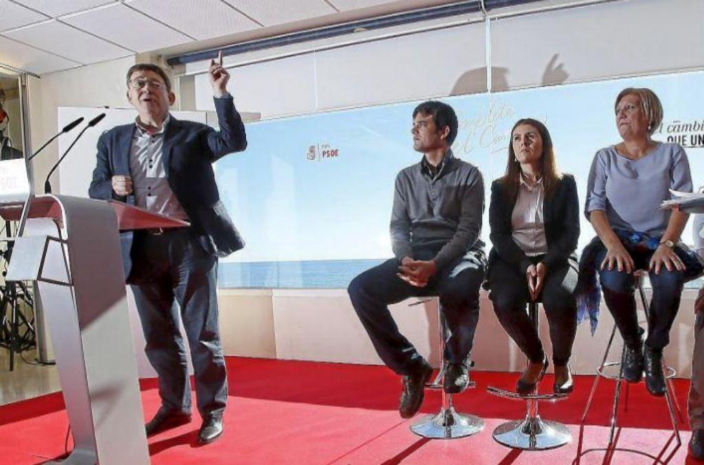 A la izquierda, Ximo Puig, y a la derecha, Encarna Llinares, en un acto de campaña electoral de las generales el pasado mes de noviembre.