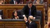 el presidente del Gobierno, Mariano Rajoy, felicita a Cristóbal...