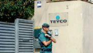 Un guardia civil a las puertas de Teyco, empresa de la familia...