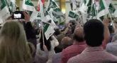 Simpatizantes y militantes de Jerez durante la llegada de Pedro...