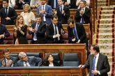 Mariano rajoy recibe el aplausos del Gobierno y de su grupo...
