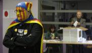 Recuento de votos en la jornada del votación del 9-N de 2014 por la...