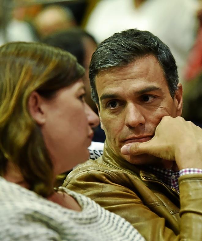 Pedro Sánchez y Francina Armengol durante el acto del candidato en Palma hace dos semanas.