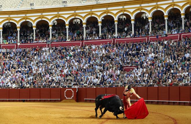 Morante de la Puebla en la faena al primero.