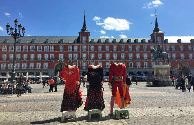 9 curiosidades que quiz s no conozcas de la plaza mayor - Tarimas del mundo madrid ...