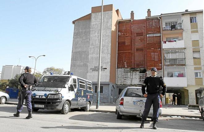 La Policia Investiga Un Tiroteo Con Un Herido En La Barriada De Las