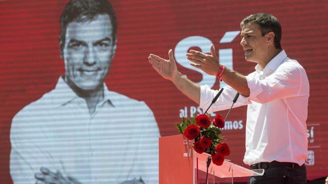 Pedro Sánchez, durante el mitin que ofreció ayer en Murcia.