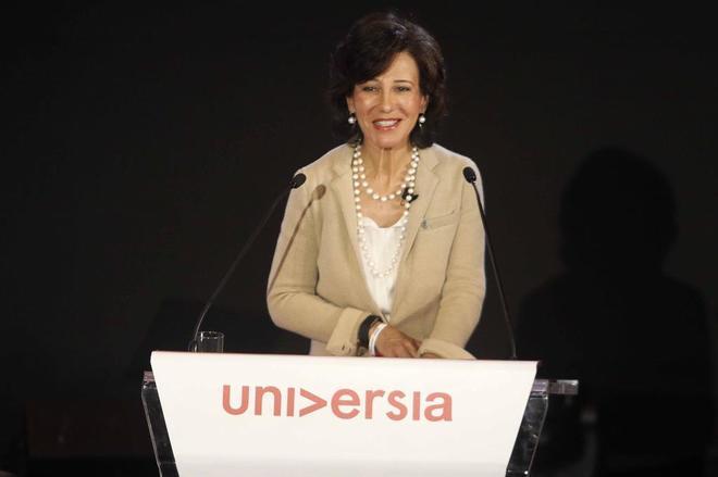 La presidenta de Banco Santander, Ana Botín, durante su alocución.