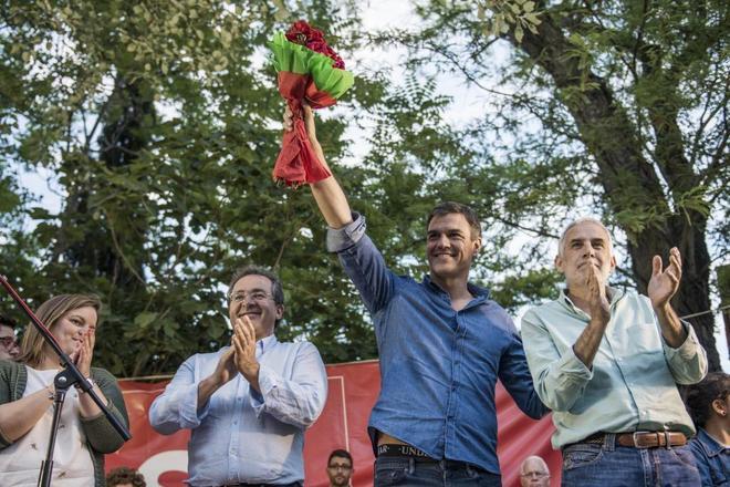 El candidato a las primarias del PSOE Pedro Sánchez, ayer, en un acto...
