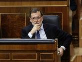 Mariano Rajoy escucha las intervenciones durante la sesión de control...