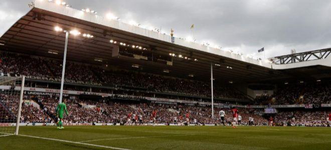 Vista de White Hart Lane durante el último partido de sus 118 años de historia.