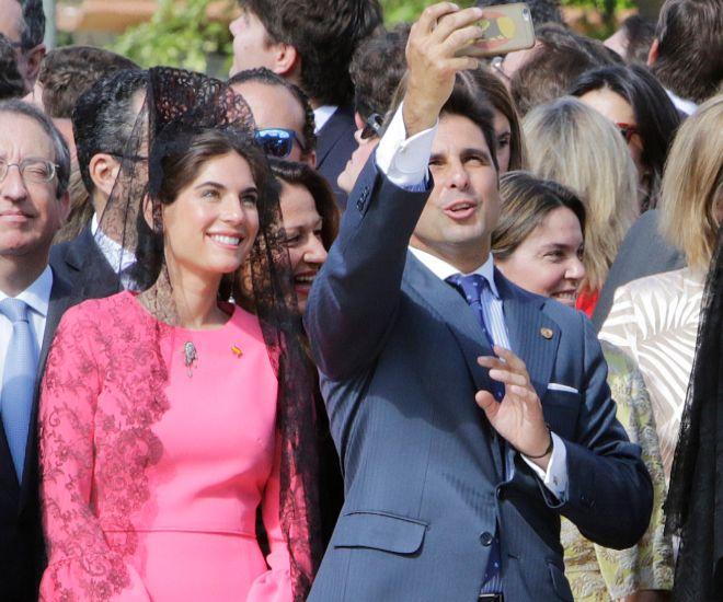 Francisco Rivera y Lourdes Montes durante su jura de bandera