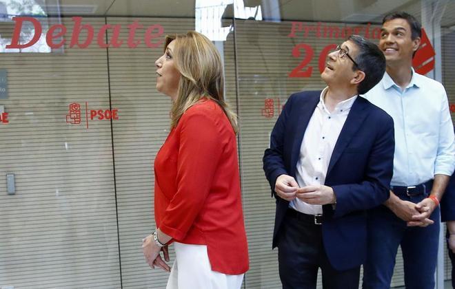 Susana Díaz, Patxi López y Pedro Sánchez, antes del inicio del...