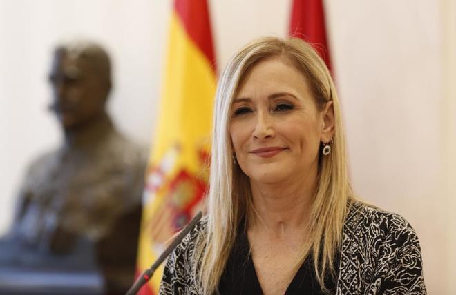 Cristina Cifuentes, esta tarde en su comparecencia ante los medios.