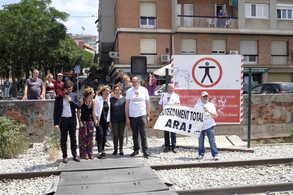 Una manifestación para exigir el soterramiento de las vías en 2016