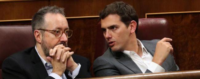 Juan Carlos Girauta y Albert Rivera, en sus escaños del Congreso.
