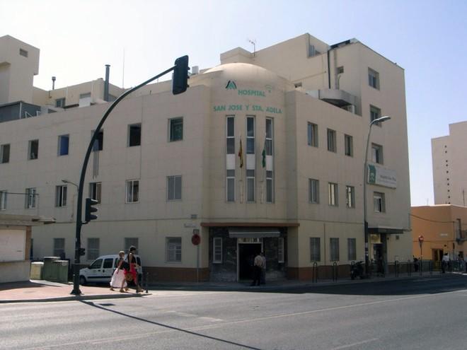 Hospital de la Cruz Roja de Almería, donde temporalmente se ha trasladado la unidad de Salud Mental.