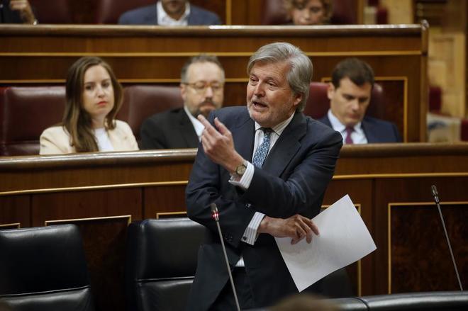 Íñigo Méndez de Vigo, ministro de Educación, durante una...
