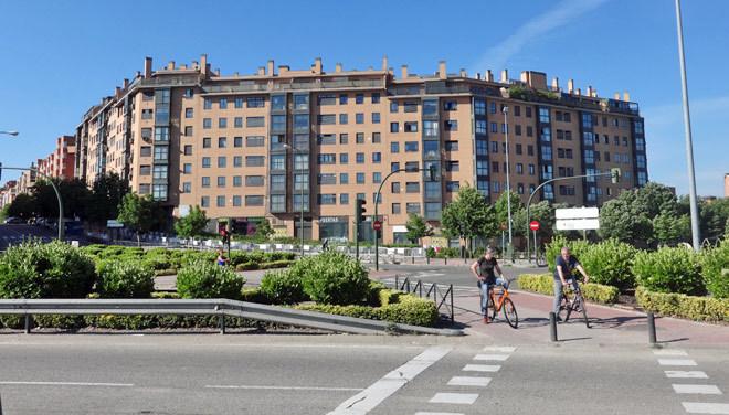 el atl tico agita el mercado de la vivienda junto al wanda