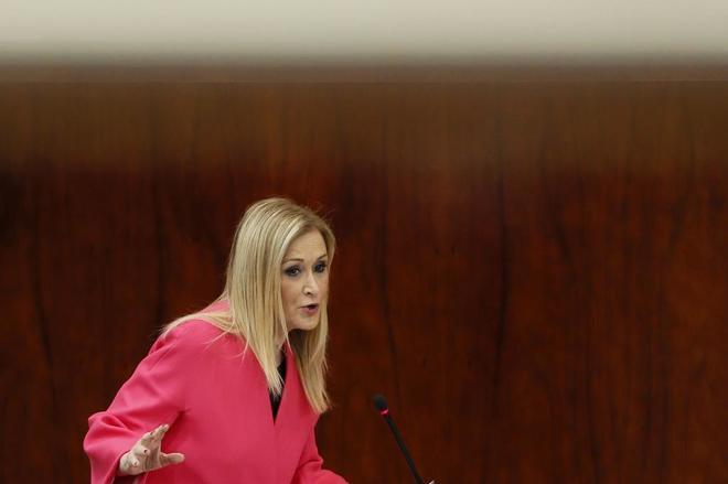 La presidenta de la Comunidad de Madrid, Cristina Cifuentes, durante...