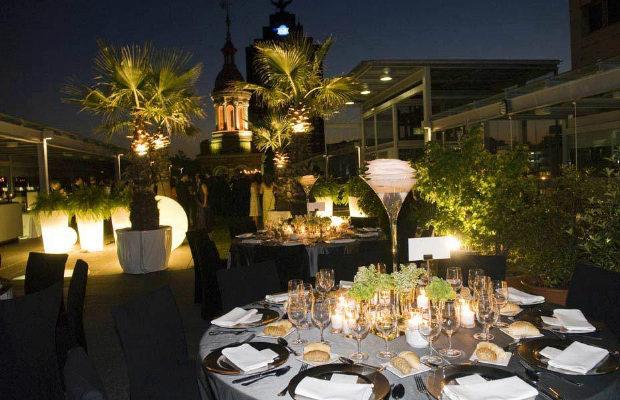 Top restaurantes terrazas con vistas de madrid for Restaurantes con piscina en comunidad de madrid