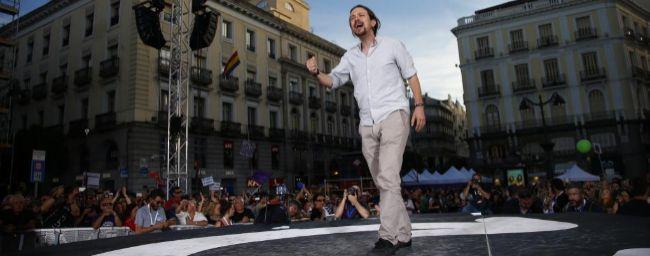 Pablo Iglesias se dirige a los asistentes al acto celebrado en Sol.