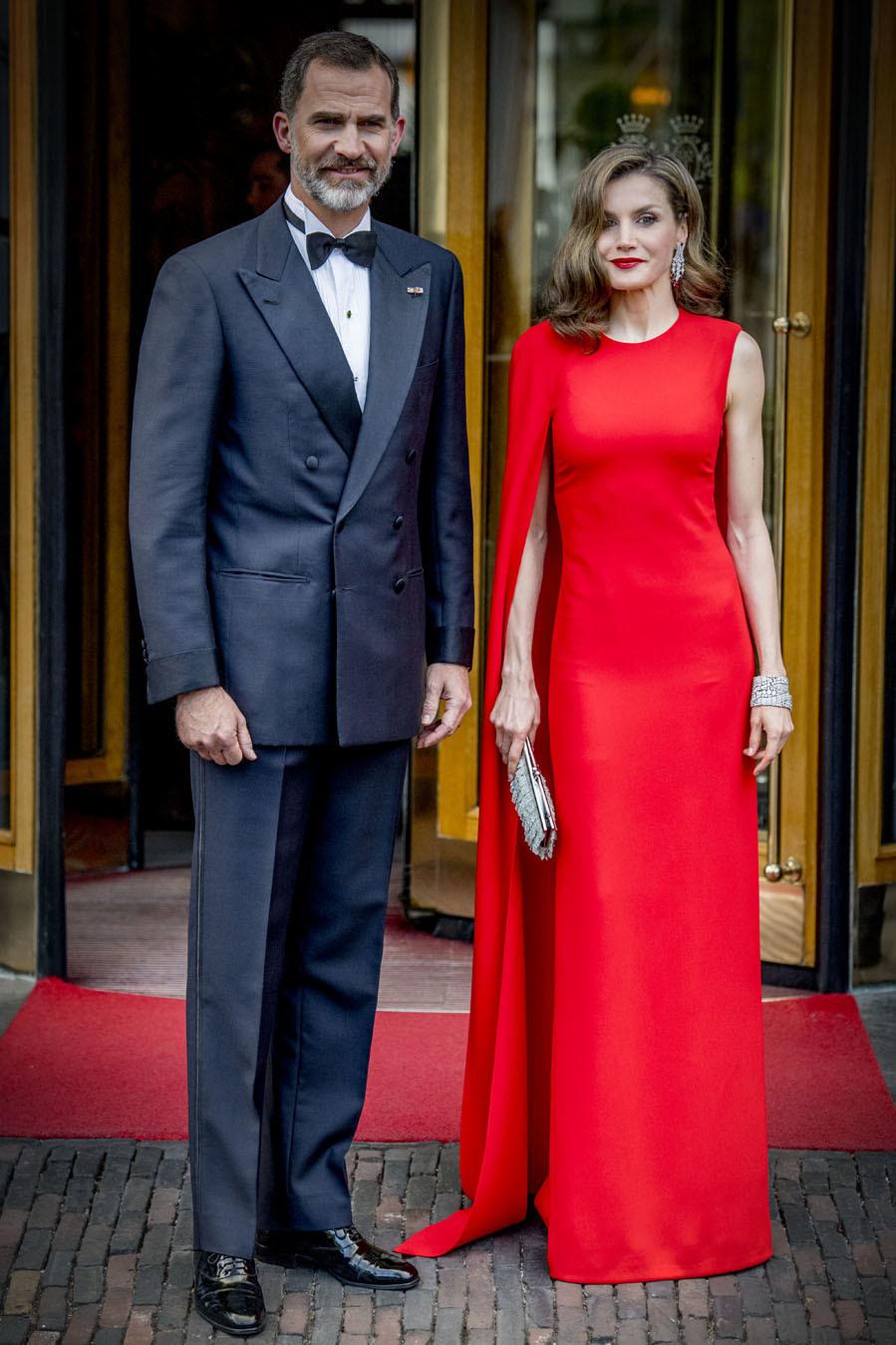 Como sacados de una alfombra roja de Hollywood, así posaron los Reyes...