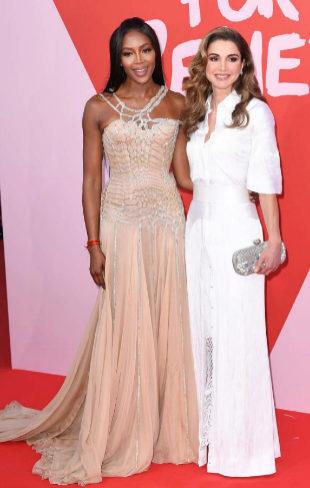 Rania de Jordania y Naomi Campbell en la fiesta Relief en Cannes
