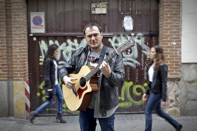 Ismael Serrano: 'En este país da la sensación de que huele demasiado a cerrado'