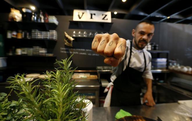 Restaurante voraz la cocina de los valientes en alicante for La cocina de los valientes